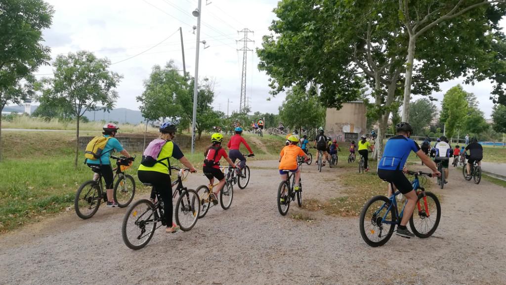 Ciclistes al camí del Tenes